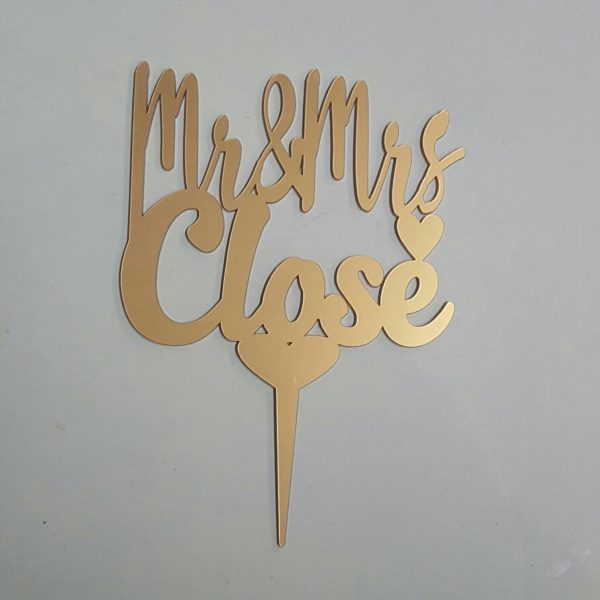 Surname Personalized Cake Topper (gold)