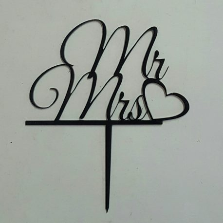 Mr & Mrs with heart